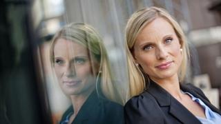 – Økonomiske problemer er dessverre et stort tabu og skambelagt problem i samfunnet vårt, forteller forbrukerøkonom Silje Sandmæl. Foto: DNB