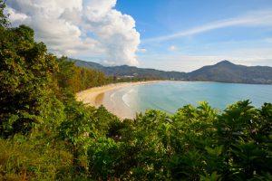 Thailand er et populært reisemål for mange om sommeren. Men mange gruer seg til sommerferien, vel vitende om at de ikke har råd til å ta med familien på slike reiser. Foto: Colourbox