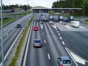 Bomstasjoner er velkjente for de fleste bilister. Illustrasjonsfoto: JohnM/ commons.wikimedia.org