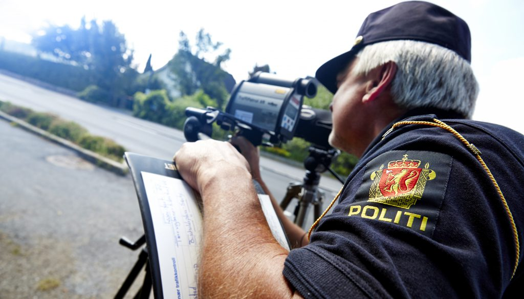Utrykningspolitiet tar stadig færre i sine laserkontroller. FOTO: Politiet