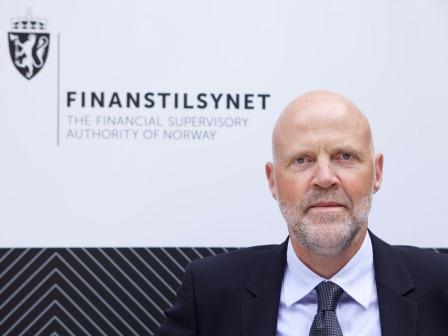 Finanstilsynet, her representert med direktør Morten Baltzersen, har sett nærmere på 47 kombinasjonsfond som tilbys i Norge. Funnene var bedrøvelige. Foto: CF-Wesenberg/ Finanstilsynet